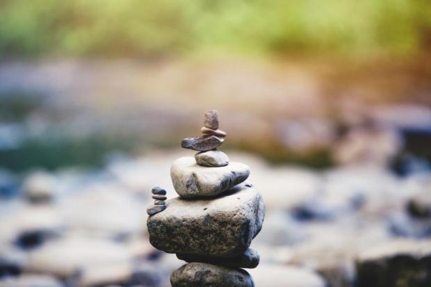 stone_equilibrio
